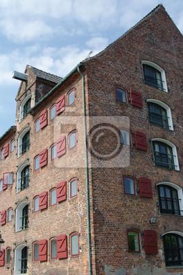 Постер Копенгаген Alter Speicher в Копенгаген 1Копенгаген<br>Постер на холсте или бумаге. Любого нужного вам размера. В раме или без. Подвес в комплекте. Трехслойная надежная упаковка. Доставим в любую точку России. Вам осталось только повесить картину на стену!<br>