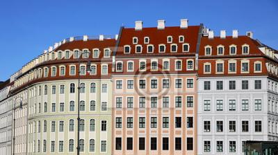 Постер Дрезден Close-up красочные здания на площади Ноймаркт в ДрезденеДрезден<br>Постер на холсте или бумаге. Любого нужного вам размера. В раме или без. Подвес в комплекте. Трехслойная надежная упаковка. Доставим в любую точку России. Вам осталось только повесить картину на стену!<br>
