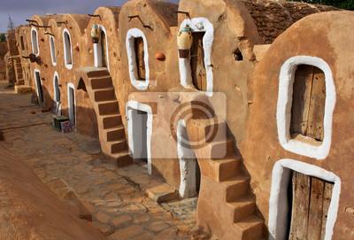 Постер Африканский пейзаж ТунисАфриканский пейзаж<br>Постер на холсте или бумаге. Любого нужного вам размера. В раме или без. Подвес в комплекте. Трехслойная надежная упаковка. Доставим в любую точку России. Вам осталось только повесить картину на стену!<br>