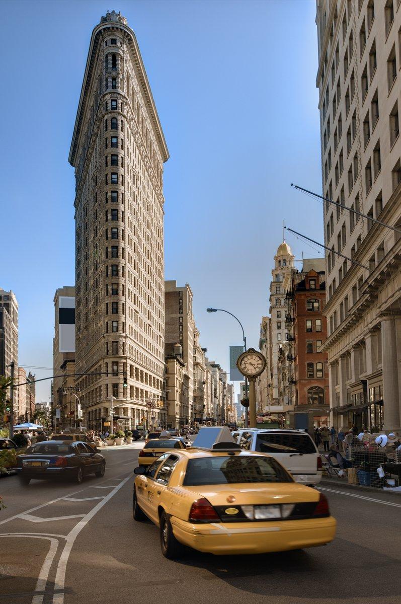 Постер Нью-Йорк Район флетайрон в Нью-ЙоркеНью-Йорк<br>Постер на холсте или бумаге. Любого нужного вам размера. В раме или без. Подвес в комплекте. Трехслойная надежная упаковка. Доставим в любую точку России. Вам осталось только повесить картину на стену!<br>