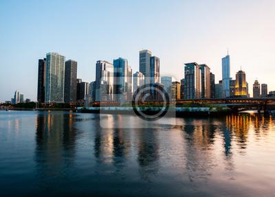 Постер Чикаго Закат над  Чикаго  из ВМФ ПьерЧикаго<br>Постер на холсте или бумаге. Любого нужного вам размера. В раме или без. Подвес в комплекте. Трехслойная надежная упаковка. Доставим в любую точку России. Вам осталось только повесить картину на стену!<br>