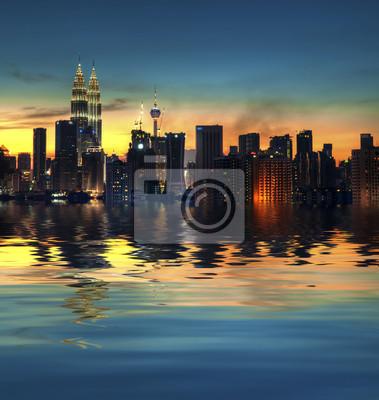 Постер Малайзия Kuala Lumpur CityМалайзия<br>Постер на холсте или бумаге. Любого нужного вам размера. В раме или без. Подвес в комплекте. Трехслойная надежная упаковка. Доставим в любую точку России. Вам осталось только повесить картину на стену!<br>