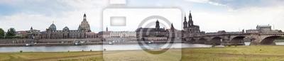 Постер Дрезден Огромная панорама Дрезден, ГерманияДрезден<br>Постер на холсте или бумаге. Любого нужного вам размера. В раме или без. Подвес в комплекте. Трехслойная надежная упаковка. Доставим в любую точку России. Вам осталось только повесить картину на стену!<br>