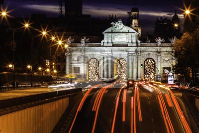Постер Мадрид Puerta de Alcala, Мадрид, ИспанияМадрид<br>Постер на холсте или бумаге. Любого нужного вам размера. В раме или без. Подвес в комплекте. Трехслойная надежная упаковка. Доставим в любую точку России. Вам осталось только повесить картину на стену!<br>