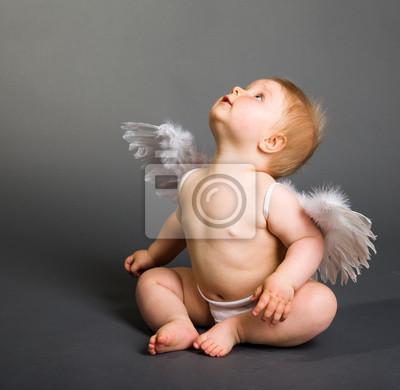 Постер Религия Грудного младенца с крыльями Ангела на нейтральном фонеРелигия<br>Постер на холсте или бумаге. Любого нужного вам размера. В раме или без. Подвес в комплекте. Трехслойная надежная упаковка. Доставим в любую точку России. Вам осталось только повесить картину на стену!<br>