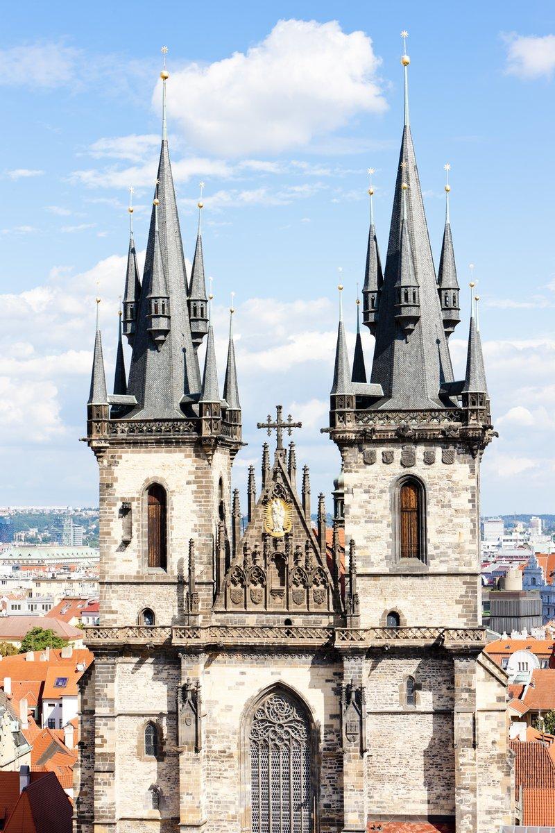 Постер Прага Tynsky церкви в Old Town Square, Прага, Чешская РеспубликаПрага<br>Постер на холсте или бумаге. Любого нужного вам размера. В раме или без. Подвес в комплекте. Трехслойная надежная упаковка. Доставим в любую точку России. Вам осталось только повесить картину на стену!<br>