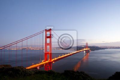 Постер Сан-Франциско Мост золотые ворота. Сан-ФранцискоСан-Франциско<br>Постер на холсте или бумаге. Любого нужного вам размера. В раме или без. Подвес в комплекте. Трехслойная надежная упаковка. Доставим в любую точку России. Вам осталось только повесить картину на стену!<br>