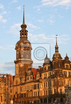 Постер Дрезден Дворец Цвингер в Дрездене (Саксония,ГерманияДрезден<br>Постер на холсте или бумаге. Любого нужного вам размера. В раме или без. Подвес в комплекте. Трехслойная надежная упаковка. Доставим в любую точку России. Вам осталось только повесить картину на стену!<br>