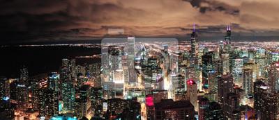 Постер Чикаго Чикаго городского горизонта панорамаЧикаго<br>Постер на холсте или бумаге. Любого нужного вам размера. В раме или без. Подвес в комплекте. Трехслойная надежная упаковка. Доставим в любую точку России. Вам осталось только повесить картину на стену!<br>
