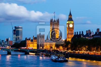 Постер Англия Биг-Бена, Вестминстерского Моста Вечером, Лондон, Соединенное киАнглия<br>Постер на холсте или бумаге. Любого нужного вам размера. В раме или без. Подвес в комплекте. Трехслойная надежная упаковка. Доставим в любую точку России. Вам осталось только повесить картину на стену!<br>