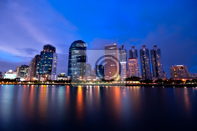 Постер Бангкок Ночной Вид на БангкокБангкок<br>Постер на холсте или бумаге. Любого нужного вам размера. В раме или без. Подвес в комплекте. Трехслойная надежная упаковка. Доставим в любую точку России. Вам осталось только повесить картину на стену!<br>