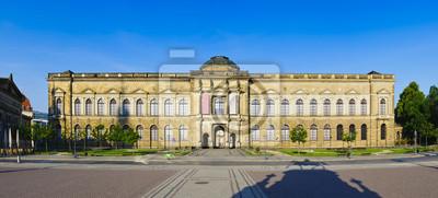 Постер Дрезден Цвингер в ДрезденеДрезден<br>Постер на холсте или бумаге. Любого нужного вам размера. В раме или без. Подвес в комплекте. Трехслойная надежная упаковка. Доставим в любую точку России. Вам осталось только повесить картину на стену!<br>