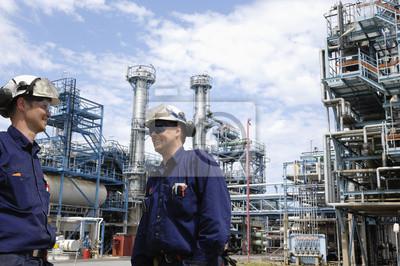 Постер Газовая промышленность Нефти и газа, инженерно с НПЗ в фоновом режимеГазовая промышленность<br>Постер на холсте или бумаге. Любого нужного вам размера. В раме или без. Подвес в комплекте. Трехслойная надежная упаковка. Доставим в любую точку России. Вам осталось только повесить картину на стену!<br>