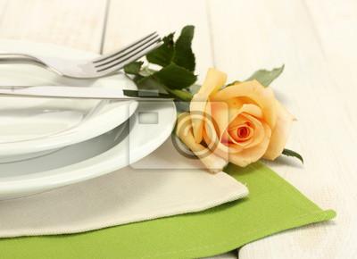 Постер Розы Красивый праздничный стол Настройка с цветамиРозы<br>Постер на холсте или бумаге. Любого нужного вам размера. В раме или без. Подвес в комплекте. Трехслойная надежная упаковка. Доставим в любую точку России. Вам осталось только повесить картину на стену!<br>