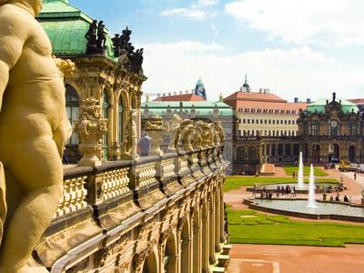 Постер Дрезден ЦвингерДрезден<br>Постер на холсте или бумаге. Любого нужного вам размера. В раме или без. Подвес в комплекте. Трехслойная надежная упаковка. Доставим в любую точку России. Вам осталось только повесить картину на стену!<br>
