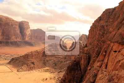 Постер Пейзаж песчаный Красивый вид на Вади-рам в Иордании.Пейзаж песчаный<br>Постер на холсте или бумаге. Любого нужного вам размера. В раме или без. Подвес в комплекте. Трехслойная надежная упаковка. Доставим в любую точку России. Вам осталось только повесить картину на стену!<br>