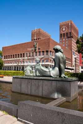 Постер Осло Oslo city hallОсло<br>Постер на холсте или бумаге. Любого нужного вам размера. В раме или без. Подвес в комплекте. Трехслойная надежная упаковка. Доставим в любую точку России. Вам осталось только повесить картину на стену!<br>