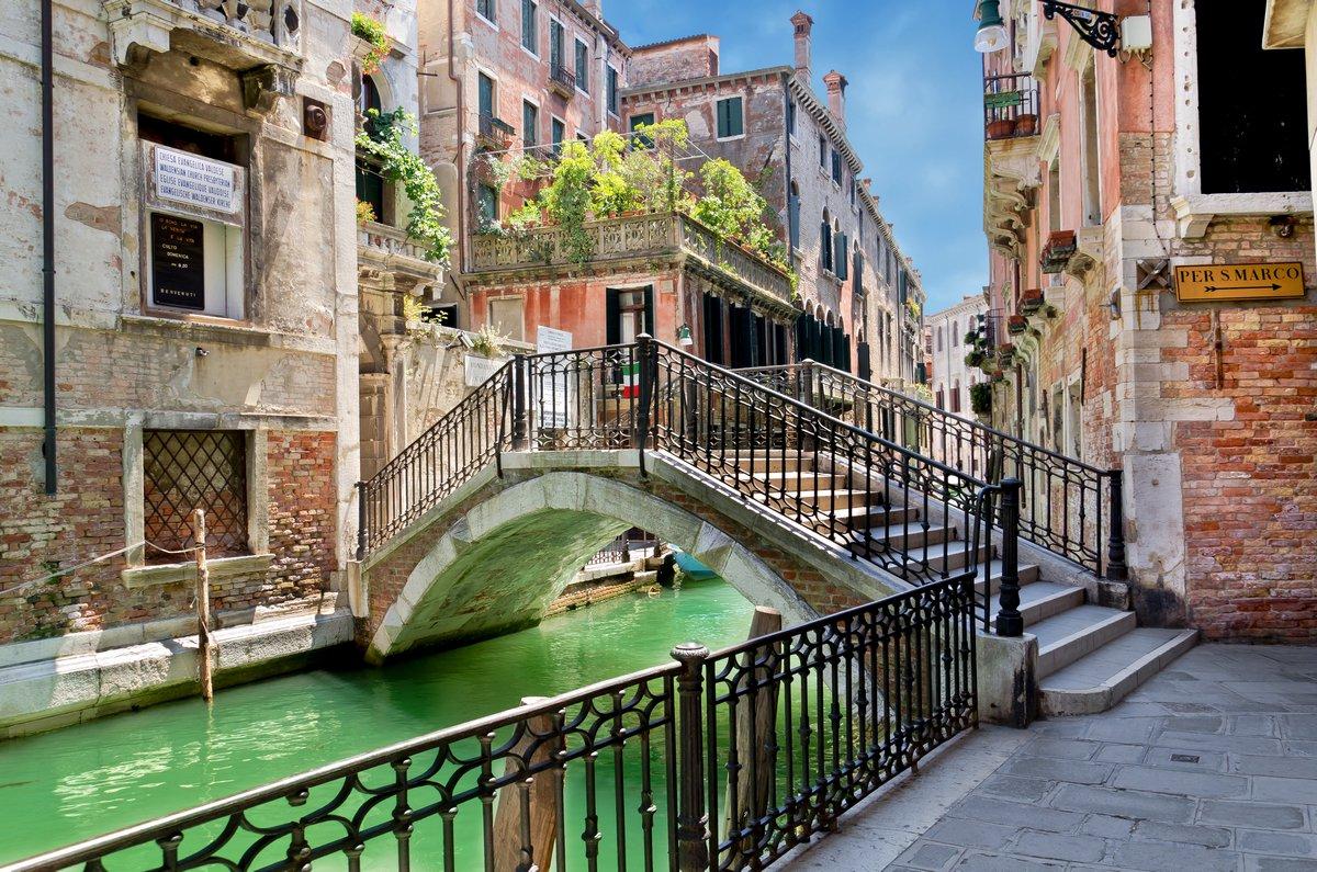 Постер Венеция Вид с моста - Венеция, 30x20 см, на бумагеВенеция<br>Постер на холсте или бумаге. Любого нужного вам размера. В раме или без. Подвес в комплекте. Трехслойная надежная упаковка. Доставим в любую точку России. Вам осталось только повесить картину на стену!<br>