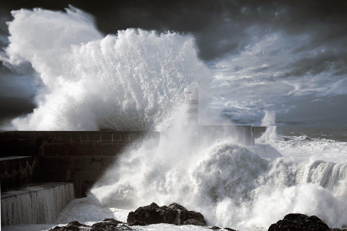 Постер Ураган, буря, торнадо Североатлантический бурные волныУраган, буря, торнадо<br>Постер на холсте или бумаге. Любого нужного вам размера. В раме или без. Подвес в комплекте. Трехслойная надежная упаковка. Доставим в любую точку России. Вам осталось только повесить картину на стену!<br>