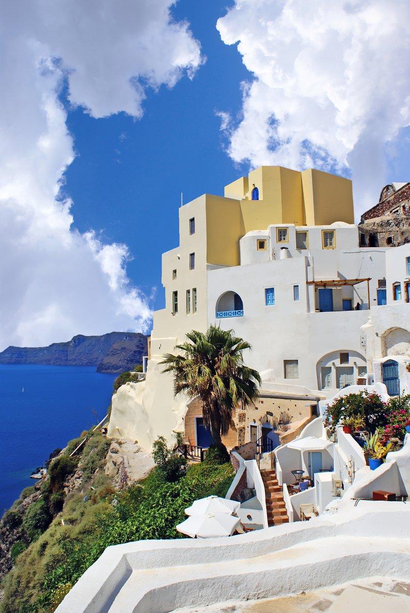 Постер Санторини Греческий традиционной архитектуры на острове Санторини, ГрецияСанторини<br>Постер на холсте или бумаге. Любого нужного вам размера. В раме или без. Подвес в комплекте. Трехслойная надежная упаковка. Доставим в любую точку России. Вам осталось только повесить картину на стену!<br>