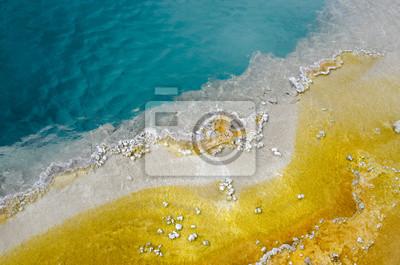 Постер Гейзеры Colorata Гейзер Бассейна sul lago ЙеллоустоунГейзеры<br>Постер на холсте или бумаге. Любого нужного вам размера. В раме или без. Подвес в комплекте. Трехслойная надежная упаковка. Доставим в любую точку России. Вам осталось только повесить картину на стену!<br>
