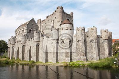 Постер Гент Gent - Gravensteen - старый замок, БельгияГент<br>Постер на холсте или бумаге. Любого нужного вам размера. В раме или без. Подвес в комплекте. Трехслойная надежная упаковка. Доставим в любую точку России. Вам осталось только повесить картину на стену!<br>