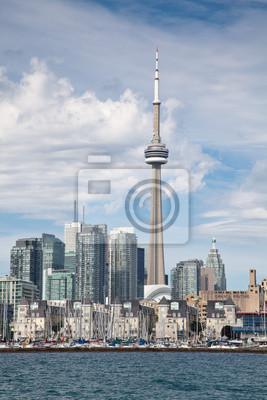 Постер Торонто Торонто, Канада, вид с озераТоронто<br>Постер на холсте или бумаге. Любого нужного вам размера. В раме или без. Подвес в комплекте. Трехслойная надежная упаковка. Доставим в любую точку России. Вам осталось только повесить картину на стену!<br>