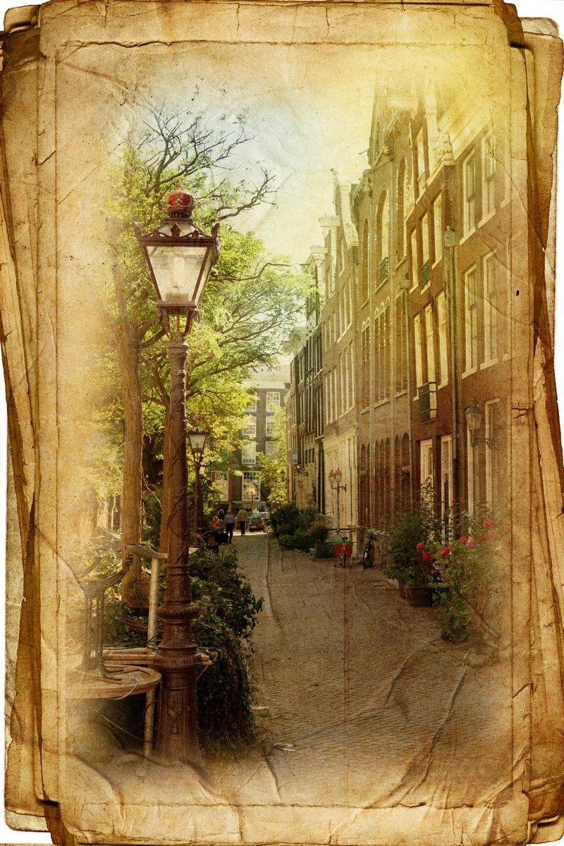 Постер Амстердам Вид Амстердама в винтажном стиле, как открыткиАмстердам<br>Постер на холсте или бумаге. Любого нужного вам размера. В раме или без. Подвес в комплекте. Трехслойная надежная упаковка. Доставим в любую точку России. Вам осталось только повесить картину на стену!<br>