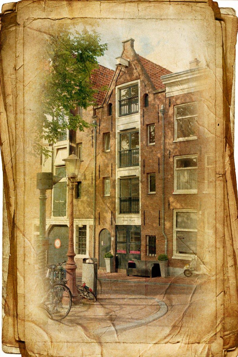 Постер Нидерланды Вид Амстердама в винтажном стиле, как открыткиНидерланды<br>Постер на холсте или бумаге. Любого нужного вам размера. В раме или без. Подвес в комплекте. Трехслойная надежная упаковка. Доставим в любую точку России. Вам осталось только повесить картину на стену!<br>