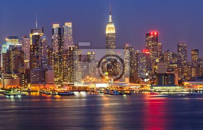 Manhattan ночью, 31x20 см, на бумагеСША<br>Постер на холсте или бумаге. Любого нужного вам размера. В раме или без. Подвес в комплекте. Трехслойная надежная упаковка. Доставим в любую точку России. Вам осталось только повесить картину на стену!<br>