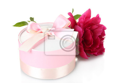 Постер Пионы Beautirul розовый подарок и цветок пион, изолированных на беломПионы<br>Постер на холсте или бумаге. Любого нужного вам размера. В раме или без. Подвес в комплекте. Трехслойная надежная упаковка. Доставим в любую точку России. Вам осталось только повесить картину на стену!<br>