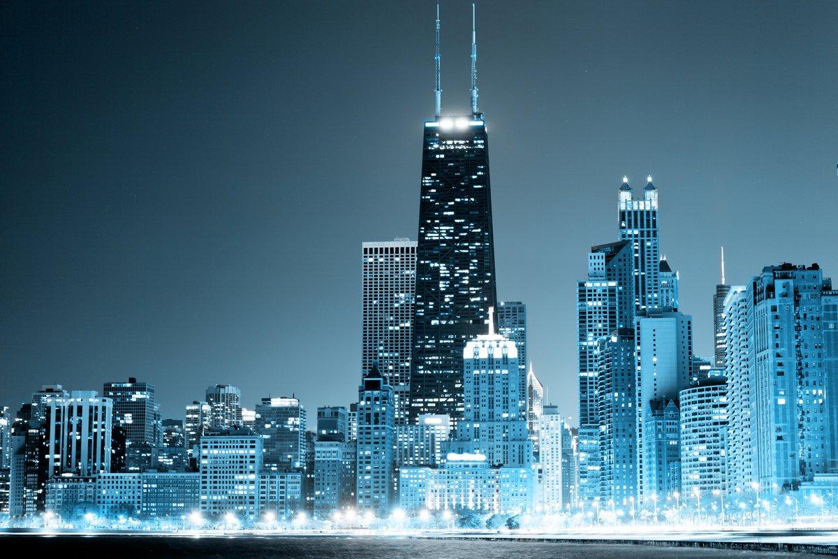 Chicago Downtown в ночи, 30x20 см, на бумагеЧикаго<br>Постер на холсте или бумаге. Любого нужного вам размера. В раме или без. Подвес в комплекте. Трехслойная надежная упаковка. Доставим в любую точку России. Вам осталось только повесить картину на стену!<br>