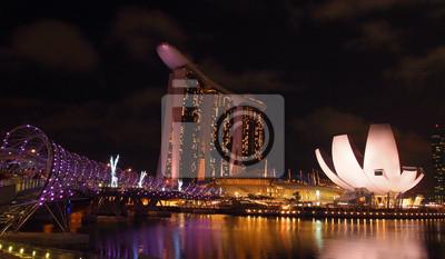 Постер Сингапур Marina Bay набережная, панорамный видСингапур<br>Постер на холсте или бумаге. Любого нужного вам размера. В раме или без. Подвес в комплекте. Трехслойная надежная упаковка. Доставим в любую точку России. Вам осталось только повесить картину на стену!<br>