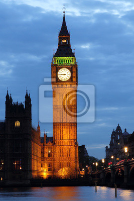 Постер Лондон Биг Бен ночьюЛондон<br>Постер на холсте или бумаге. Любого нужного вам размера. В раме или без. Подвес в комплекте. Трехслойная надежная упаковка. Доставим в любую точку России. Вам осталось только повесить картину на стену!<br>