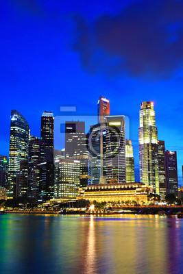 Постер Города и карты Сингапур ночью, 20x30 см, на бумагеСингапур<br>Постер на холсте или бумаге. Любого нужного вам размера. В раме или без. Подвес в комплекте. Трехслойная надежная упаковка. Доставим в любую точку России. Вам осталось только повесить картину на стену!<br>