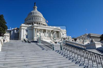 Постер Вашингтон Капитолийском Холме, Здание в ВашингтонеВашингтон<br>Постер на холсте или бумаге. Любого нужного вам размера. В раме или без. Подвес в комплекте. Трехслойная надежная упаковка. Доставим в любую точку России. Вам осталось только повесить картину на стену!<br>