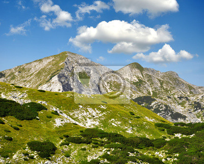Постер Словения Национальный Парк Триглав - Julian AlpsСловения<br>Постер на холсте или бумаге. Любого нужного вам размера. В раме или без. Подвес в комплекте. Трехслойная надежная упаковка. Доставим в любую точку России. Вам осталось только повесить картину на стену!<br>