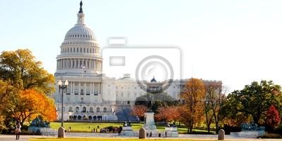 Постер Города и карты Вашингтон, Капитолий в осенний Сезон , США, 40x20 см, на бумагеВашингтон<br>Постер на холсте или бумаге. Любого нужного вам размера. В раме или без. Подвес в комплекте. Трехслойная надежная упаковка. Доставим в любую точку России. Вам осталось только повесить картину на стену!<br>