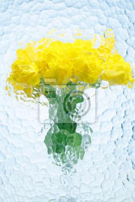 Постер Тюльпаны Желтые тюльпаны в стеклянной вазе на белом фонеТюльпаны<br>Постер на холсте или бумаге. Любого нужного вам размера. В раме или без. Подвес в комплекте. Трехслойная надежная упаковка. Доставим в любую точку России. Вам осталось только повесить картину на стену!<br>