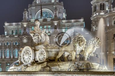 Постер Мадрид Cibeles Фонтан в Мадрид, ИспанияМадрид<br>Постер на холсте или бумаге. Любого нужного вам размера. В раме или без. Подвес в комплекте. Трехслойная надежная упаковка. Доставим в любую точку России. Вам осталось только повесить картину на стену!<br>