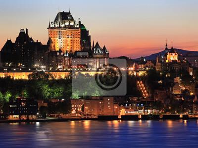Постер Канада Квебек-Город в сумерках, КанадаКанада<br>Постер на холсте или бумаге. Любого нужного вам размера. В раме или без. Подвес в комплекте. Трехслойная надежная упаковка. Доставим в любую точку России. Вам осталось только повесить картину на стену!<br>