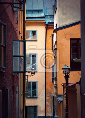 Постер Стокгольм Старые здания в СтокгольмеСтокгольм<br>Постер на холсте или бумаге. Любого нужного вам размера. В раме или без. Подвес в комплекте. Трехслойная надежная упаковка. Доставим в любую точку России. Вам осталось только повесить картину на стену!<br>