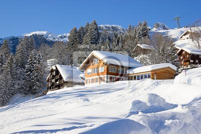 Постер Альпийский пейзаж Зимой дом отдыхаАльпийский пейзаж<br>Постер на холсте или бумаге. Любого нужного вам размера. В раме или без. Подвес в комплекте. Трехслойная надежная упаковка. Доставим в любую точку России. Вам осталось только повесить картину на стену!<br>