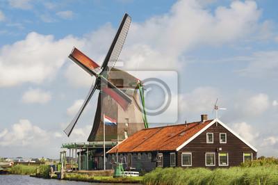 Постер Амстердам Красивая мельницаАмстердам<br>Постер на холсте или бумаге. Любого нужного вам размера. В раме или без. Подвес в комплекте. Трехслойная надежная упаковка. Доставим в любую точку России. Вам осталось только повесить картину на стену!<br>