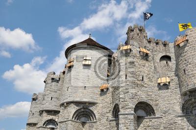 Постер Гент Средневековый Замок в историческом центре города ГентГент<br>Постер на холсте или бумаге. Любого нужного вам размера. В раме или без. Подвес в комплекте. Трехслойная надежная упаковка. Доставим в любую точку России. Вам осталось только повесить картину на стену!<br>