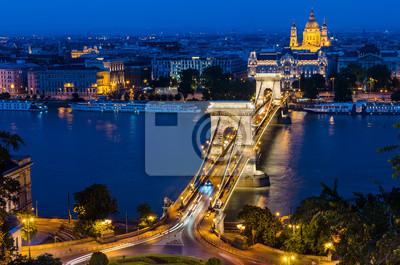 Цепной Мост и реки Дунай, Будапешт, 30x20 см, на бумагеВенгрия<br>Постер на холсте или бумаге. Любого нужного вам размера. В раме или без. Подвес в комплекте. Трехслойная надежная упаковка. Доставим в любую точку России. Вам осталось только повесить картину на стену!<br>
