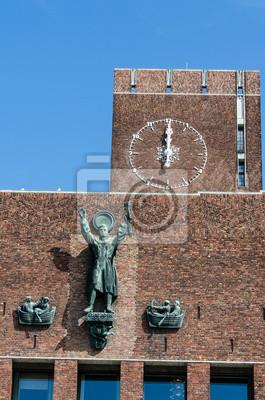 Постер Осло City hall полденьОсло<br>Постер на холсте или бумаге. Любого нужного вам размера. В раме или без. Подвес в комплекте. Трехслойная надежная упаковка. Доставим в любую точку России. Вам осталось только повесить картину на стену!<br>
