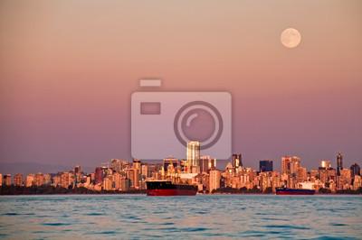 Постер Ванкувер Полная Луна Над Панораму ГородаВанкувер<br>Постер на холсте или бумаге. Любого нужного вам размера. В раме или без. Подвес в комплекте. Трехслойная надежная упаковка. Доставим в любую точку России. Вам осталось только повесить картину на стену!<br>
