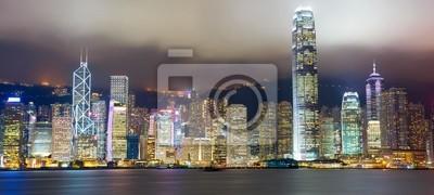 Постер Китай Гонконг в туман над Виктория-ХарборКитай<br>Постер на холсте или бумаге. Любого нужного вам размера. В раме или без. Подвес в комплекте. Трехслойная надежная упаковка. Доставим в любую точку России. Вам осталось только повесить картину на стену!<br>