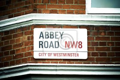 Постер Англия Приходите Вместе на Abbey RoadАнглия<br>Постер на холсте или бумаге. Любого нужного вам размера. В раме или без. Подвес в комплекте. Трехслойная надежная упаковка. Доставим в любую точку России. Вам осталось только повесить картину на стену!<br>